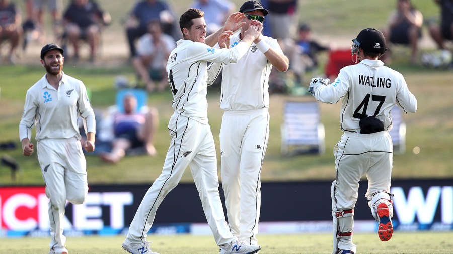 WATCH: Mitchell Santner Takes A Stunning Catch At Covers
