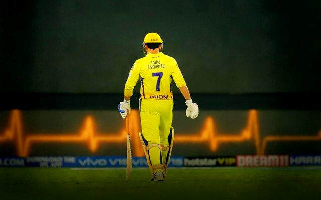 MS Dhoni may go in IPL 2021 auction (Pic - Twitter)