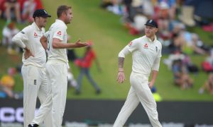 WATCH- Ben Stokes and Stuart Broad involved in a heated argument on the field: On the cricket field, we all have seen many times cricketers getting in a heated argument with other team's player.
