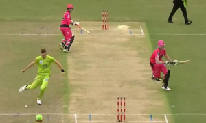 Chris Morris Footwork Helped The Team To Seal Brilliant Run Out In BBL Match: In the cricket, batsmen are often praised to play shots using their brilliant footwork.