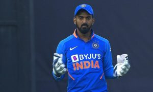 Watch: Fans mock KL Rahul's wicket-keeping folly by cheering 'Dhoni! Dhoni!'