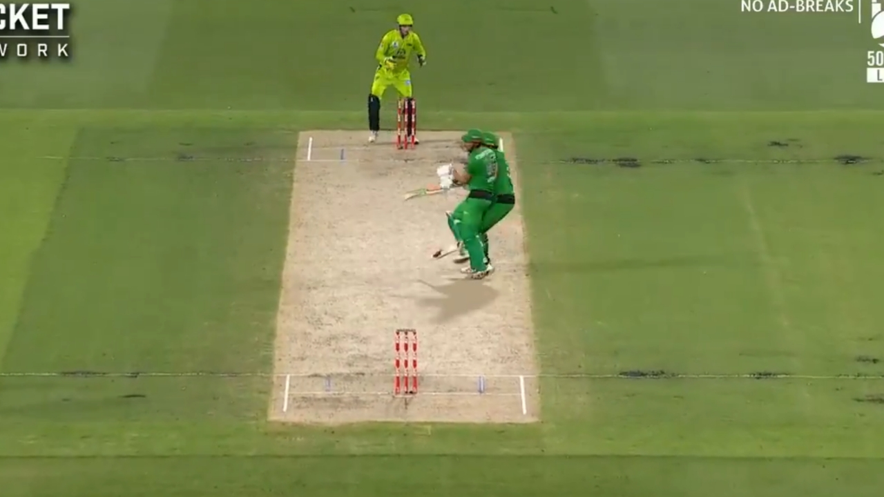 During the match, Marnus Stoinis had a big bash collision with his teammate Nick Larkin while running between the wickets.