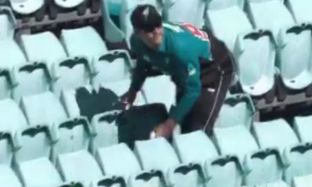 during the game, a hilarious incident took place when Lockie Ferguson turned into a spectator to get back the ball from the stands.