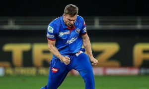 "Anrich Nortje's well bowled ""fireball"" leaves Manish Pandey rattled"