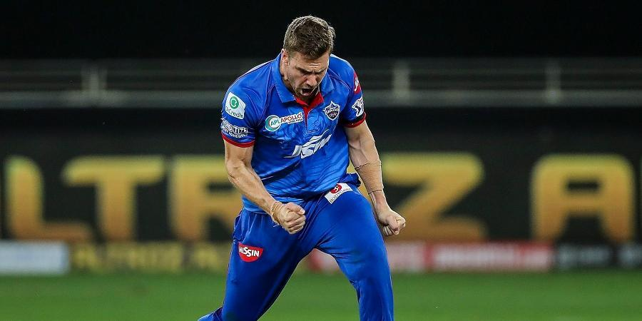 """Anrich Nortje's well bowled """"fireball"""" leaves Manish Pandey rattled"""